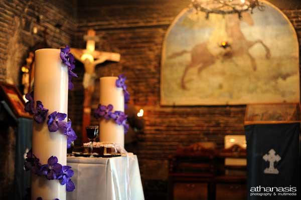 οι νυφικές λαμπάδες με τις μοβ ορχιδέες , φωτογραφία γάμου στον Ι.Ν. Αγίου Δημητρίου Λουμπαρδιάρη, (31)