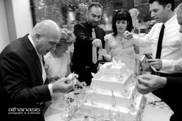 φωτογραφία γάμου , κοπή της τούρτας