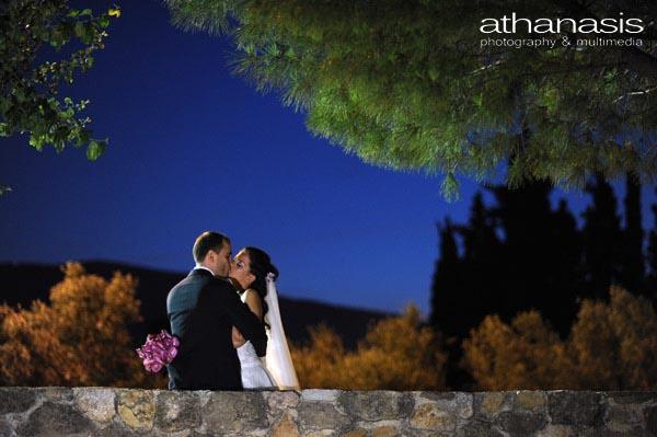 ρομαντική νυχτερινή φωτογραφία , έγχρωμη φωτογραφία γάμου
