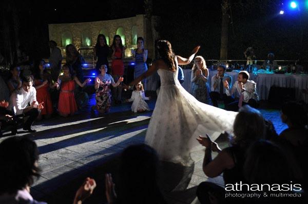 το ζεϊμπέκικο της νύφης
