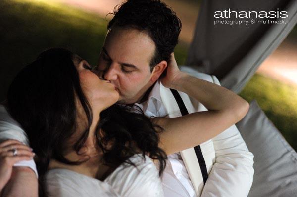 τρυφερό φιλί των παντρεμένων την νύχτα