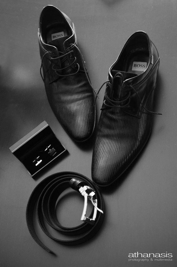 τα αξεσουάρ του γαμπρού παπούτσια, ζώνη, μανικετόκουμπα